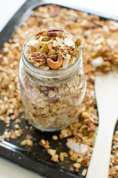 health snacks Gek op cruesli Probeer dan d - health Healthy Baking, Healthy Snacks, Healthy Recipes, Eat Breakfast, Breakfast Recipes, Sugar Free Granola, A Food, Food And Drink, Happy Foods