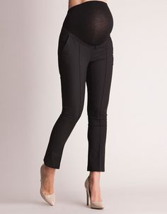 Unavailable sizes will be back in stock 21st of February Ultra soft over-bump band ensures a perfect fit Luxurious silky lined front pockets Chic cropped length for summer at the office A chic pair of black cropped maternity pants are a must have for a working mom-to-be. Beautifully tailored to fit and flatter throughout your pregnancy, an ultra-soft elasticized over-bump band fits seamlessly under your clothes, allowing these smart tailored maternity pants to adapt as you grow. Stylish…