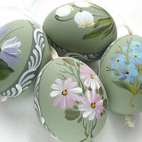 Easter Art, Easter Eggs, Painted Rocks, Hand Painted, Egg Tree, Easter Egg Designs, Creative Box, One Stroke Painting, Egg Decorating