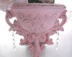 Vintage 1978 Homco Syroco Pale Pink Ornate Fleur de Lis Wall Pocket Prisms Chippy Shabby Cottage Paris French Farmhouse