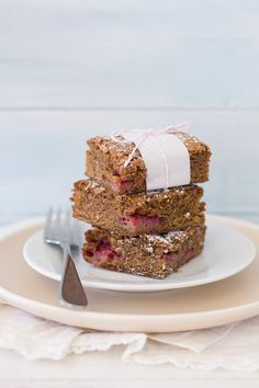 Brown Butter Strawberry Blondies - an easy summer dessert studded with fresh, juicy strawberries. From @Alexandra {Confessions of a Bright-Eyed Baker} | brighteyedbaker.co...