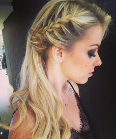 Cute Side Braided Long Blonde Hairstyles 2018 for Prom