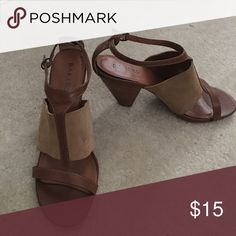 2eab914c5c45d5 Baker Shoes Tan Sandals Pre-Owned Bakers Shoes tan sandals. These sandals  are very comfortable and stylish! Bakers Shoes Sandals
