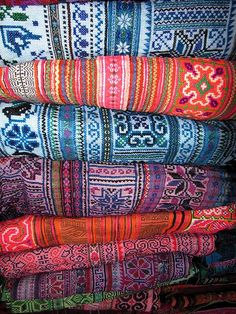 garoopatternandcolour:  Hill Tribe Fabric, Northern Thailand