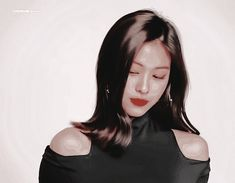 Ryujin GIF Theme discovered by 𖧧 𝑩⇣𝘦ꪖ៹ᥒ▿₊𝑜 ̼ ツ Animated Gif, Find Image, Animation, Kpop, Crushes, Gifs, Lost, Heart, Videos