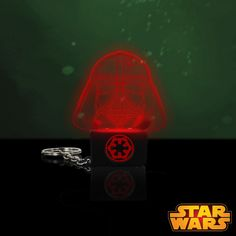 Porte-Clés Lumineux Dark Vador Star Wars Cadeau Star Wars, Gadget, Darth Vader, Stars, Gifts, Sterne, Gadgets, Star