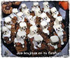 Fantasmas. Fiesta halloween. Candy Bar. Mesa dulce.Bizcocho  calabaza, nueces y azucar moreno.