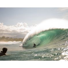 """@surfer_magazine's photo: """"Jamie O'Brien pulls in during the first true swell of the North Shore season. View the full gallery on the #SurferMag site. Photo: Noyle #Surfer #SurferPhotos @whoisjob @Zak Noyle"""""""