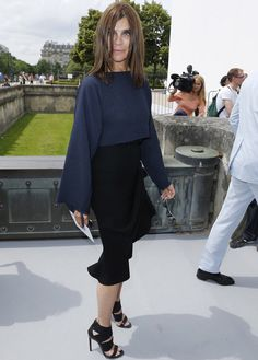 who is carine roitfeld Party Fashion, Fashion 2017, Star Fashion, Carine Roitfeld, Mature Fashion, Mademoiselle, Pinterest Fashion, Parisian Chic, Work Looks