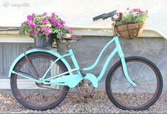 Love the turquoise bike.
