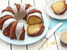 עוגת קוקוס ואננס בחושה Sukkot Recipes, Holiday Recipes, Baking Recipes, Cake Recipes, Israeli Desserts, Pineapple Coconut, Food To Make, French Toast, Favorite Recipes