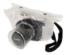 Transparent DSRL Camera Bag. Transparent DSRL Camera Bag, realizzata in Giappone, è una utilissima custodia per fotocamera: in caso di pioggia è possibile continuare a fotografare senza bagnarla. Via likecool.com