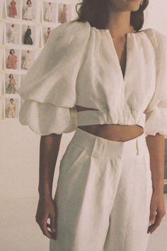 Look Fashion, Fashion Details, Runway Fashion, Mode Kimono, Fashion Sewing, Aesthetic Clothes, Minimalist Fashion, Blouse Designs, Ideias Fashion