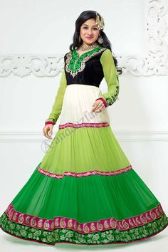 Vert, Blanc, Georgette Anarkali Suits Suit design No. DMV13140 Prix: - Type de 69,38 € Robe: Anarkali Suits Suit Tissu: Georgette Couleur: vert avec blanc Décoration: Pierre, Zari, Zircon, Costumes Full manches pour plus de détails: -http://www.andaazfashion.fr/green-white-georgette-anarkali-churidar-suit-with-green-chiffon-dupatta-dmv13140.html
