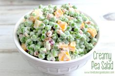 Creamy Pea Salad - This salad is a nice change from the typical potato or pasta salads. It requires very little cooking and a little bit of chopping - it could easily be a no cook recipe if you buy precooked bacon! It doesn't get much easier than that! Summer Recipes, Great Recipes, Food Dishes, Side Dishes, Main Dishes, Creamy Peas, Cooking Recipes, Healthy Recipes, Potluck Recipes