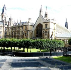 houses of parliament - london Places Around The World, Around The Worlds, Houses Of Parliament London, Mansions, House Styles, Manor Houses, Villas, Mansion, Palaces