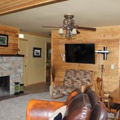 Brickyard Lake Lodge - Battle Lake, MN   Overnight accommodations for up to 14 guests.  Handicap accessible. 218-864-3120 or 218-731-7181   maethner@arvig.net