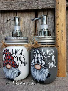 Fall Mason Jars, Mason Jar Candles, Mason Jar Crafts, Mason Jar Soap Dispenser, Jar Art, Painted Mason Jars, Jar Gifts, Pots, Bottles And Jars
