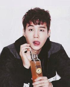 Woah his hair😍 Min Yoongi Bts, Min Suga, Namjin, Daegu, Rapper, Min Yoonji, Kim Jisoo, Bts Imagine, Blackpink And Bts