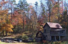 Laudermilk Mill (Shorts Mill, Tumlin's Mill ) on Hazel Creek - Habersham Co., GA, Hwy SR-197    Autumn Foliage / November 2008, Habersham Co., Georgia , USA / Copyright © by William Tanneberger - All Rights Reserved.