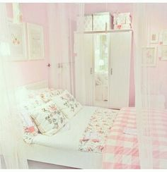 15 Beautiful Shabby Chic Bedroom Ideas for Women Pink Bedrooms, Shabby Chic Bedrooms, Kawaii Bedroom, Pretty Room, Pink Room, Dream Rooms, Dream Bedroom, Dream Decor, My New Room