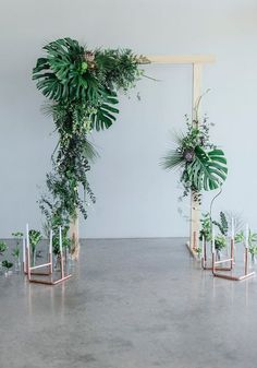 Greenery and Copper wedding ceremony arch recipe: grouping flowers, greenery and… – Outdoor Wedding Decorations 2019 Wedding Ceremony Ideas, Wedding Arch Greenery, Ceremony Decorations, Wedding Trends, Wedding Centerpieces, Wedding Bouquets, Wedding Flowers, Trendy Wedding, Wedding Blue