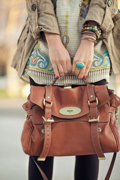 this is the cutest big bag and i love that ring!