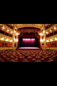Hermosos teatros de actucion