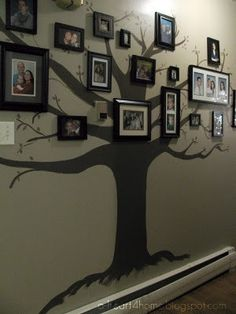 A Heart For Home: Finished Friday: Hand Print Wall Hanging, Christmas Game, T-shirt Necklace/Scarf, & My Mom's Beautiful Family Tree Wall Mural Family Tree Mural, Tree Wall Murals, Wall Art, Family Trees, Diy Wall, Style Deco, Home And Deco, Beautiful Family, Wall Prints