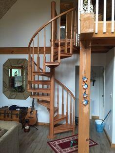 Merveilleux Rustic All Wood Spiral Stair