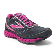 <p>The women's Ghost 9 GTX shoes feature a waterproof, breathable GORE-TEX® membrane to keep your feet dry on rainy runs.</p>