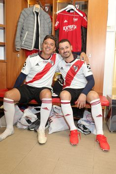 Escudo River Plate, Soccer Guys, Carp, Cheer Skirts, Crushes, Mariana, Amor, Common Carp, Soccer Players