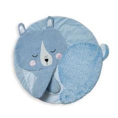Ce tapis de jeu ours multi-sensoriel pour enfant dispose de différentes textures permettant de susciter l'intérêt de votre bébé. Il permet ainsi de développer l'éveil de la vue et du toucher. Les multiples matières sont soyeuses, rudes, bruissantes ou encore bosselées. D'une extrême douceur, ce tapis deviendra l'indispensable pour votre bébé.