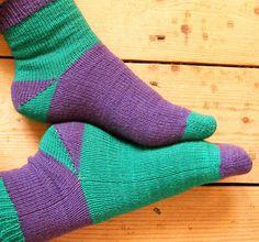Ravelry: Push-me-pull-you Socken Muster von Liz Triskellian