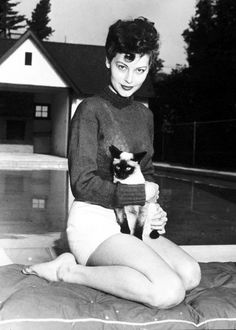 Ava Gardner and a Siamese kitty