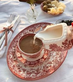 Chocolate Caliente, Think Food, Cafe Food, Snacks, Aesthetic Food, Me Time, Coffee Time, Afternoon Tea, Cravings