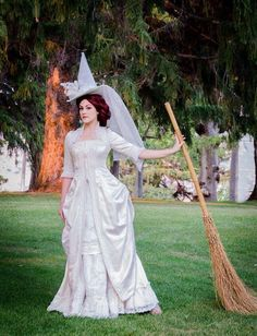 White Witch Halloween Costume Idea Photo by Erin Smith of Archive Costumes, Orem, Utah My friend at Archive Costumes of Orem, Utah posted this picture on White Witch Costume, Witch Dress, White Witch Hat, Witches Costumes For Women, Witch Costumes, Witch Hats, Halloween Outfits, Halloween Costumes, Halloween Clothes