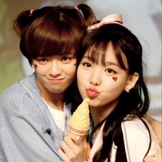 Jeongyeon y Nayeon Extended Play, South Korean Girls, Korean Girl Groups, K Pop, Otp, Cant Stop Loving You, Twice Fanart, Want You Back, Nayeon Twice