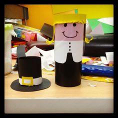 Pellegrino creato con rotolo di cartone della carta igienica.