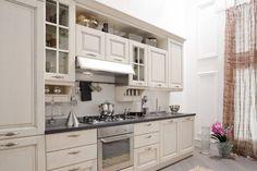 White rustic kitchen. Veneta Cucine - Memory