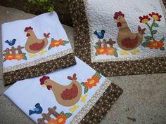 Conjunto para cozinha todo em patchwork com aplicações e bordados. Feito em tecido de algodão, manta, forro e quilt.    Conjunto contém: caminho de mesa, toalha para fogão, 2 panos de copa    Caminho de mesa ( 1.03 x 50) : 95,00  Toalha para fogão ( 50 x 50): 55,00  Pano de copa : 35,00 (unidade)...