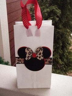 cute Minnie gift or favor bags. I'm making these with pink and zebra print