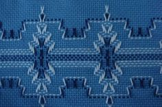 Vagonite Huck Towels, Swedish Embroidery, Monks Cloth, Swedish Weaving, My Sister In Law, Weaving Patterns, Needlework, Diy And Crafts, Kids Rugs