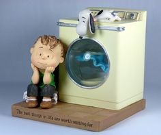 Linus And Washing Machine Snow Globe