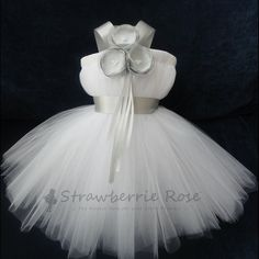 Cutest flower girl dress ever~  On Etsy by Strawberrie Rose! by yvonne