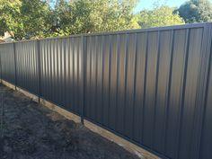 Gorgeous Black Wooden Fence Design Ideas For Frontyards 27 Corrugated Metal Fence, Metal Fence Panels, Wooden Fence, Metal Fences, Diy Fence, Backyard Fences, Fence Ideas, Privacy Fence Designs, Privacy Fences