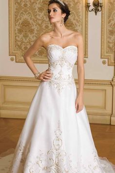 Victorian style lace patterns on strapless Wedding Dress