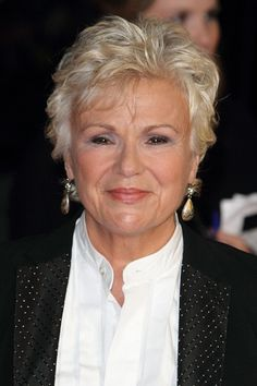 Julie Walters-Short Celebrity Haircuts for Women Over 60 l www sophisticated Haircuts For Wavy Hair, Blonde Haircuts, Short Pixie Haircuts, Short Hairstyles For Women, Short Hair Cuts, Cool Hairstyles, Shortish Hairstyles, Pixie Cuts, Straight Hairstyles