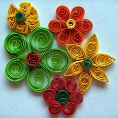 paper quilling flowers or circles for centerpieces