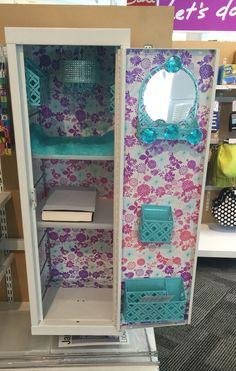 17 Ideas Small Locker Organization Highschool For 2019 Cute Locker Decorations, Cute Locker Ideas, Diy Locker, Locker Stuff, School Locker Organization, Room Organization, Locker Lookz, Middle School Lockers, Small Lockers